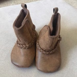Cute babygirl boots size 2